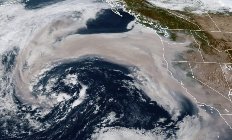 US bushfire smoke is sucked into a Pacific storm