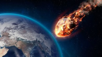 Photo of Earth threatened by an asteroid collision
