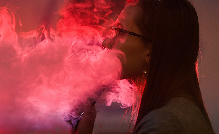 A third of e cigarette smokers have lung damage