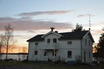 Huset målet, och solpaneler monterade.