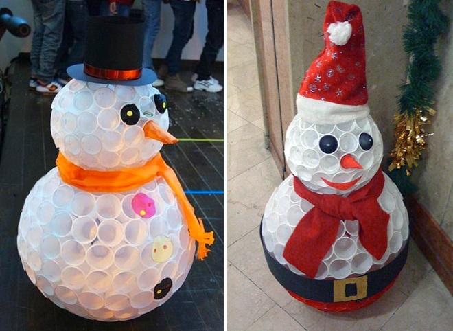 Muñecos de nieve de tazas