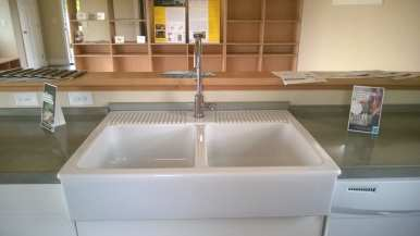 Farm kitchen sink