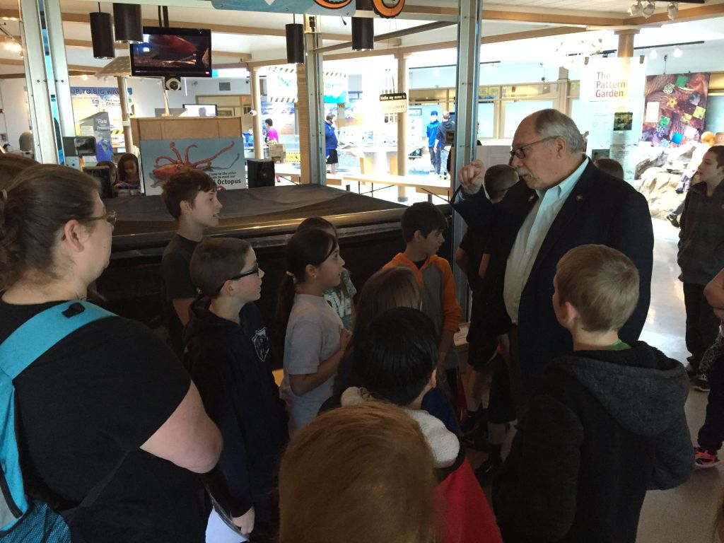 Senator Arnie Roblan captivates a group of young competitors with his stories about when he was a principal on the Oregon Coast at the Renewable Energy Challenge