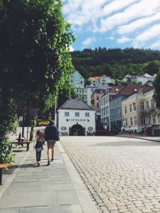 Quick walk from the harbor to the Fløibanen