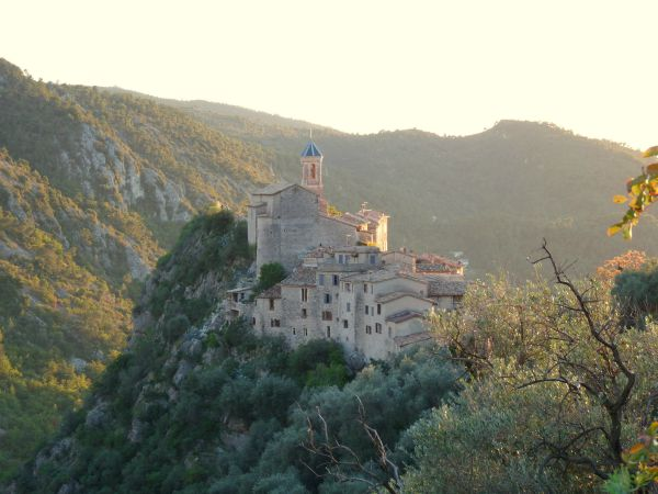 peillon_village_near_nice_france_at_sunset