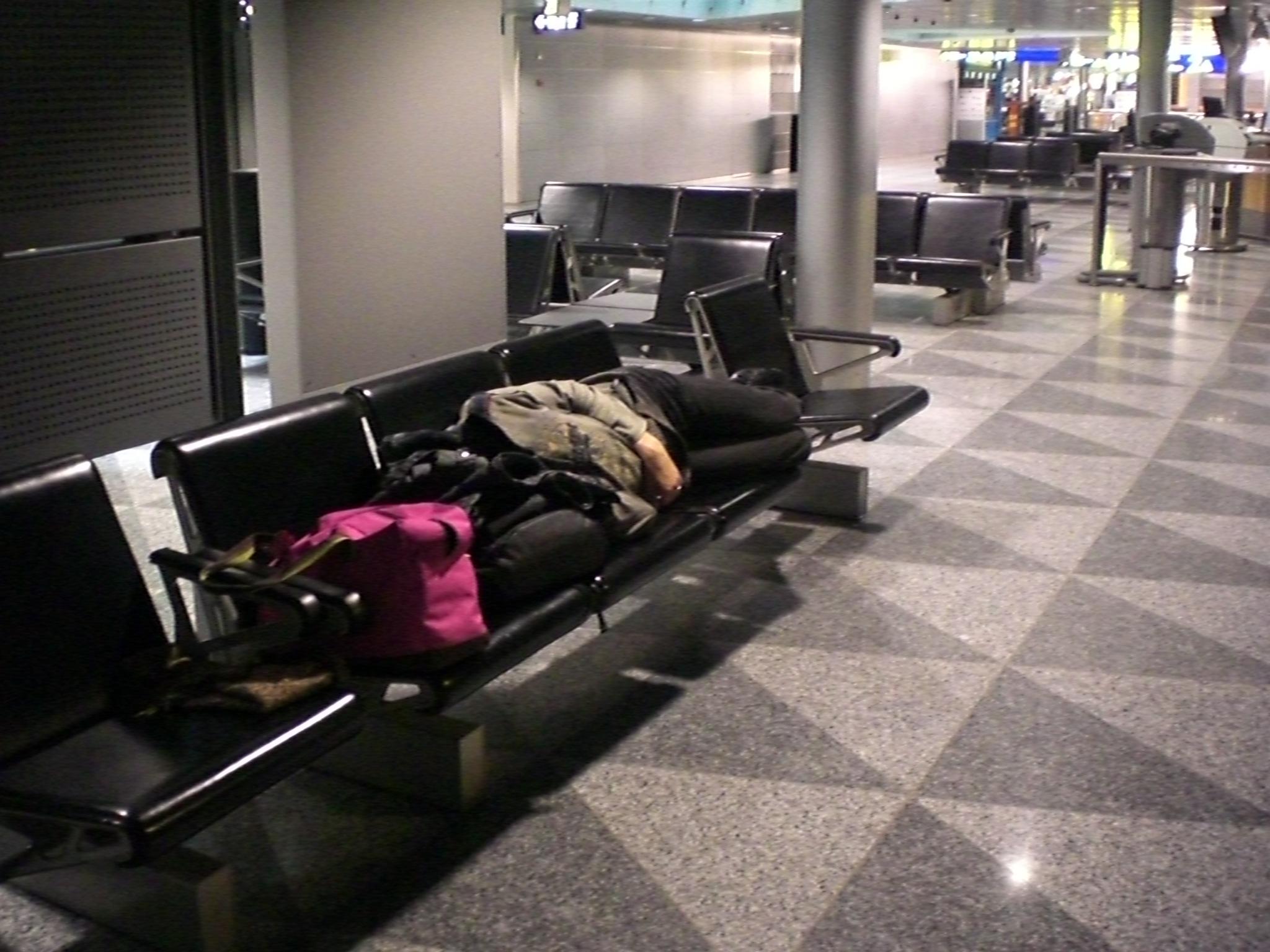 Nakts Helsinku lidostā
