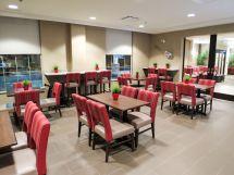 Regina Hotel With Free Hot Breakfast Comfort Suites