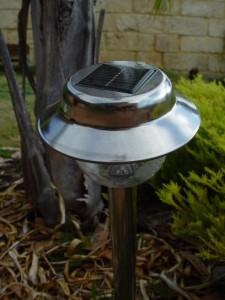 solar-garden-light-408x544