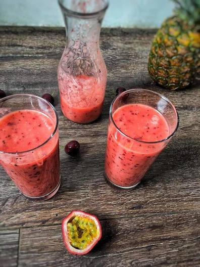 blog, smoothie sunday, smoothie, pineapple, passion fruit, healthy recipe, healthy smoothie, fruit smoothie, fruit, easy recipe, organic, organic food, organic ingredients, organic food blog, food blog, organic happiness