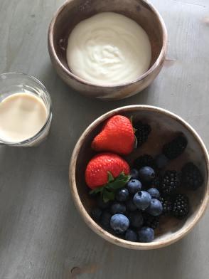 Yoghurt bosvruchten smoothie, Bosvruchten smoothie, Bosvruchten smoothie met yoghurt, Bosvruchtensmoothie, Smoothie met yoghurt, Smoothie recept, Smoothie recepten, Smoothie met yoghurt, organic happiness, biologisch, biologische foodblog, gezonde smoothie