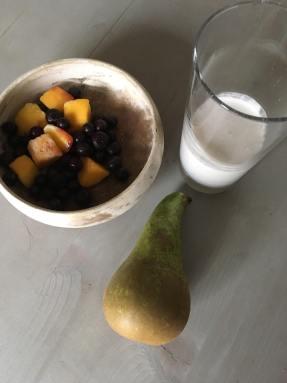 peren smoothie met mango, mango smoothie met peer, mango en peer smoothie, smoothie mango peer, mango, peer, smoothie, recept, organic happiness, biologische foodblog, biologisch, biologische smoothie