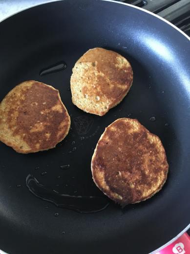 pompoenpannenkoekjes, pompoen pannenkoekjes, pompoen pancakes, pompoenpannenkoeken, pompoen pannenkoeken, pompoenpannenkoek paleo, glutenvrije pancakes, glutenvrij, glutenvrije pannenkoekjes, gezond ontbijt, organic happiness, biologische foodblog