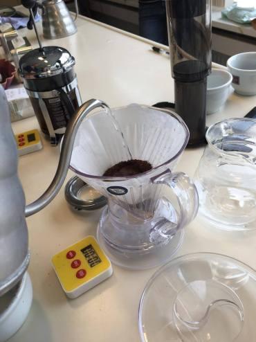 Simon lévelt koffie cuppen, Simon Levelt koffie, Simon Levelt Haarlem, Simon Levelt koffie Haarlem, Simon Levelt hoofdkantoor, Koffie cuppen, Koffietermen cuppen, Wat is koffie cuppen, How-to koffie cuppen, Koffie cupping, Organic Happiness, Biologisch, Biologische Foodblog