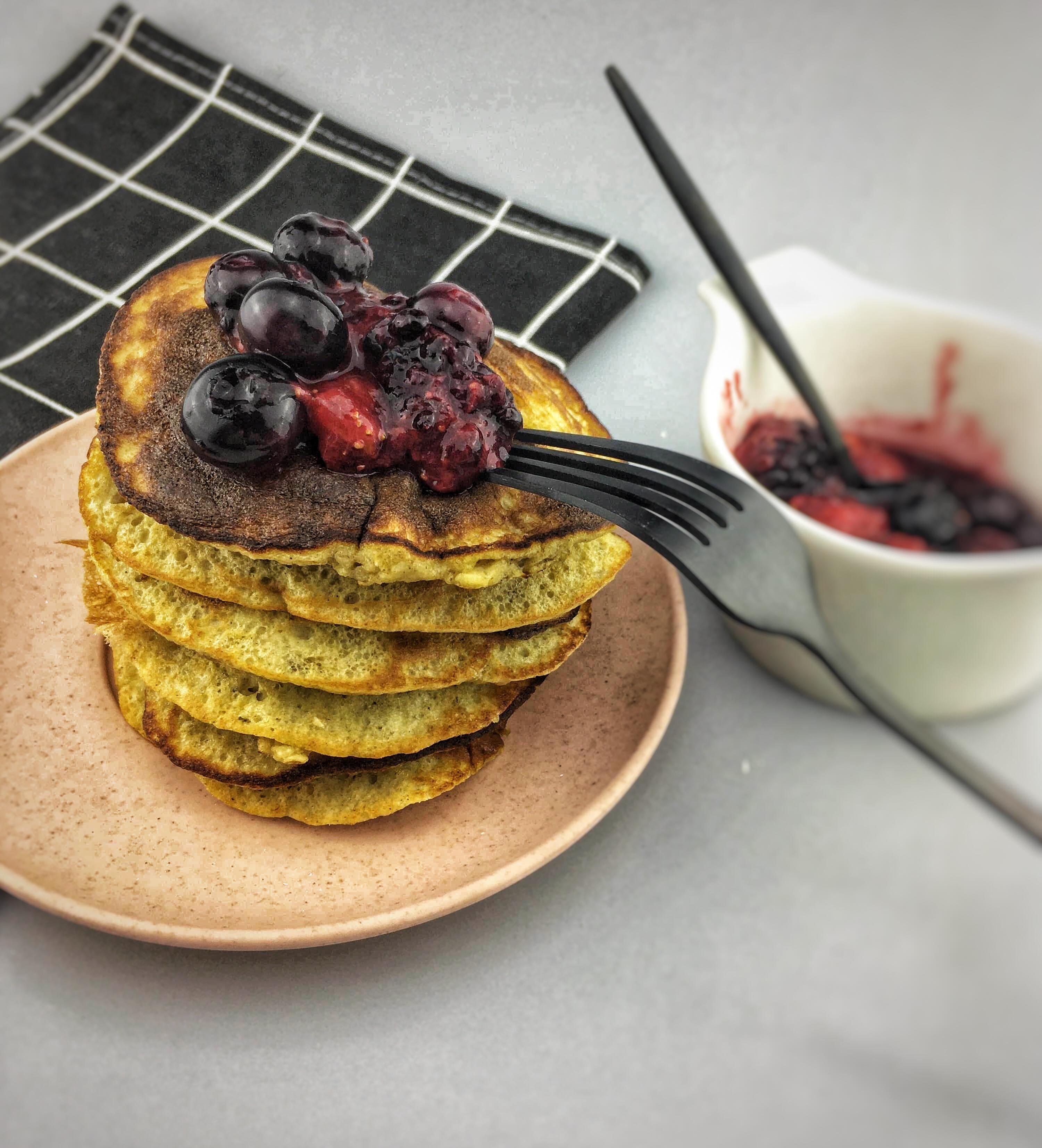 Banana pancakes with red fruit, Banana pancakes, Blender banana pancakes, Perfect banana pancakes, Banana pancakes recipe, Best banana pancakes, Healthy banana pancakes, Banana pancakes oatmeal, Tasty pancakes banana, Banana pancakes healthy, Organic Happiness, Organic, Organic Food blog