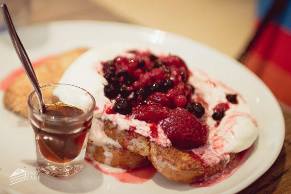 Tostadas francesas con frutos rojo