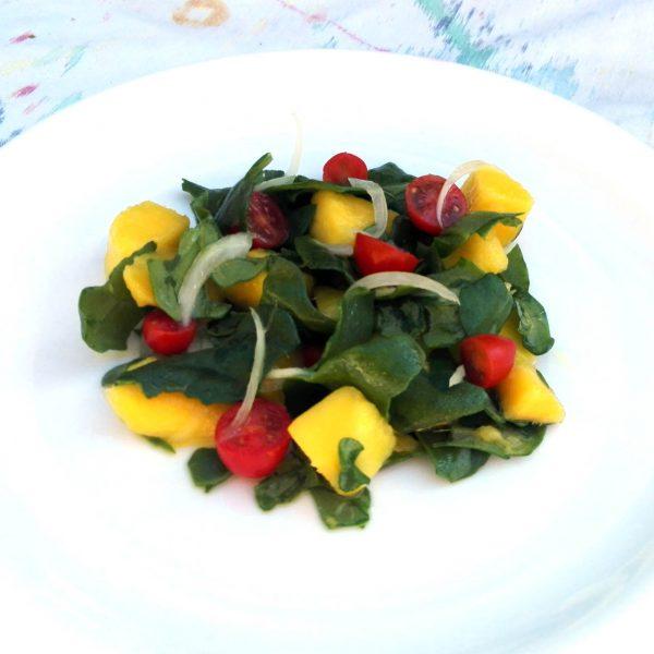Ensalada de espinaca y mango