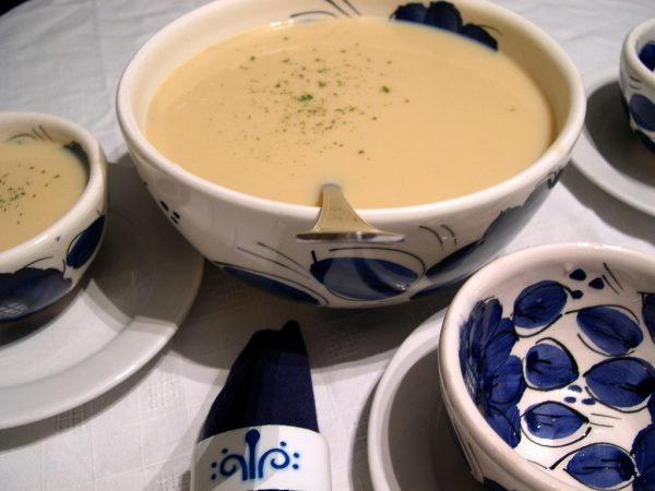Sopa fría de puerro y manzanas