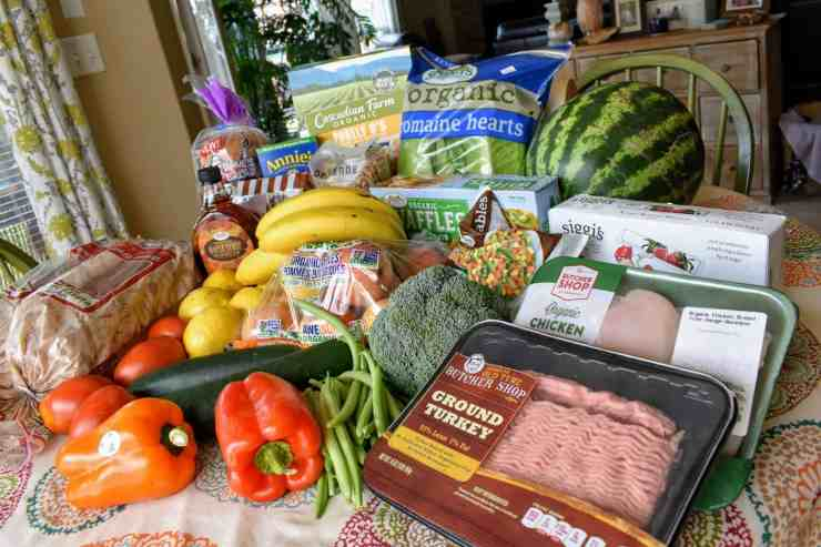 grocery haul from sprouts   Meal Plan   Grocery Shopping on a Budget   Grocery Shopping for Family of Four
