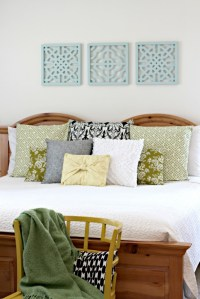 Spray Painted Wall Art - Organize and Decorate Everything