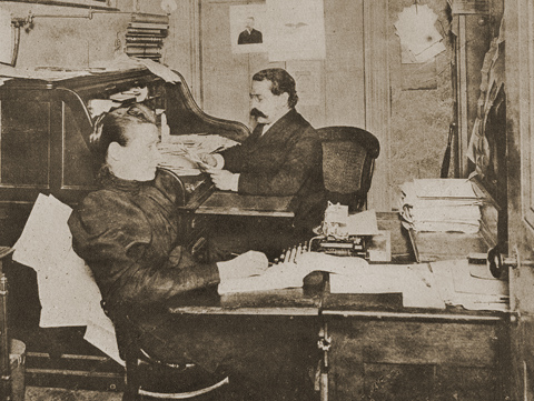 A Business Basis for Unionism: The growth of paid officers and staff inside the American Federation of Labor, 1881-1912