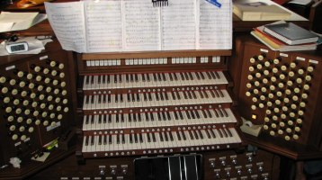 Electronic Church Organ Service