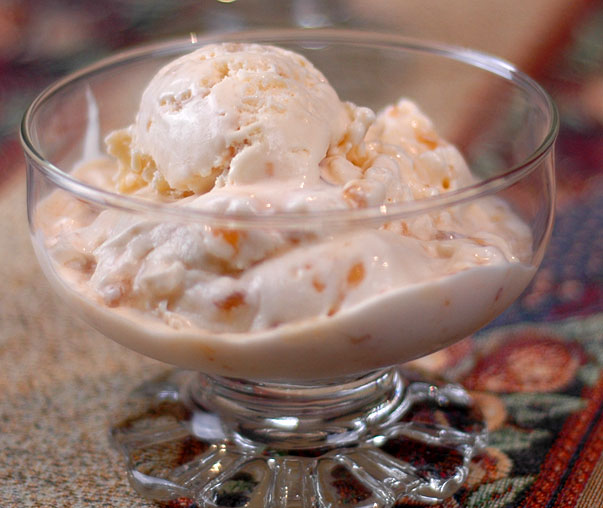 macadamia toffee crunch ice cream