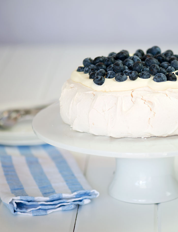 Pavlova with Blueberries