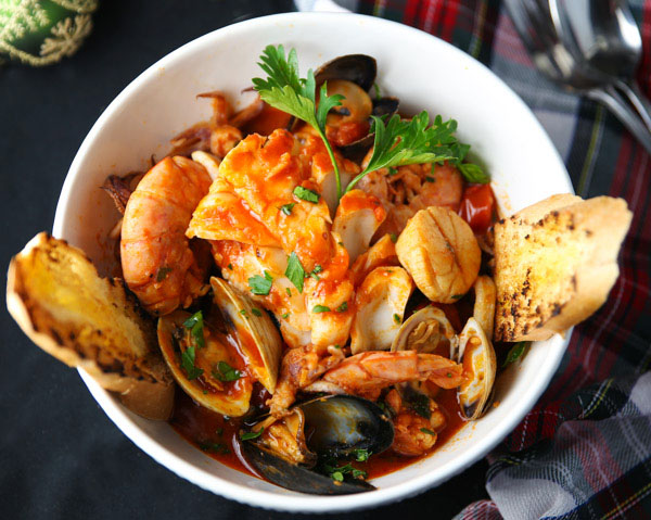 Cioppino Or Zuppa Di Pesce Italian Fish And Seafood Stew Orgasmik Cooking