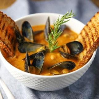 Zuppa Di Ceci Con Cozze (Chickpeas and Mussels Soup)