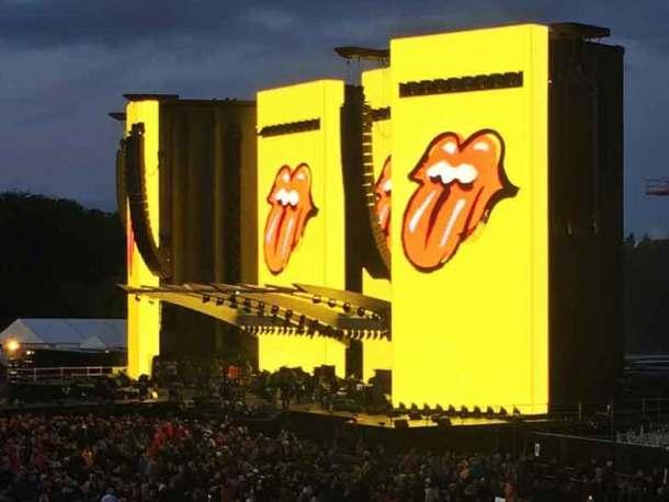 Die Rolling Stones in Hamburg. Warten auf die Zunge