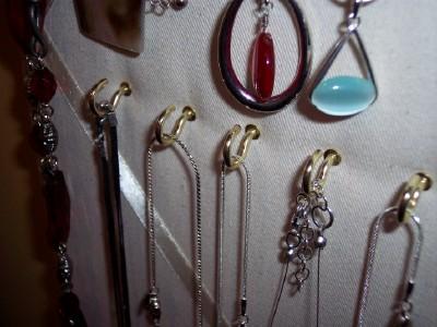 Inexpensive jewelry organizer