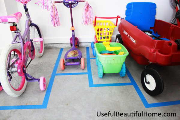 UBH Parking Pad for Toys