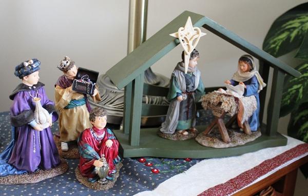 Mama Says Nativity 1