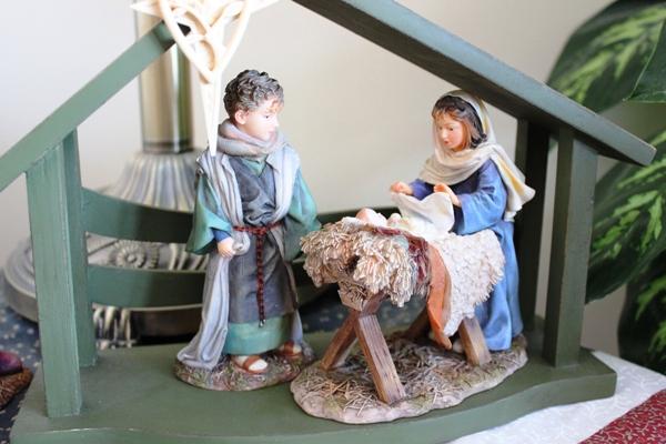 Mama Says Nativity