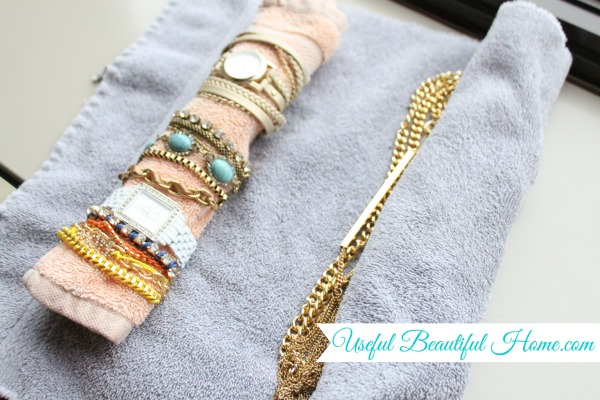 Wrap-the-bracelet-roll-at-the-end.