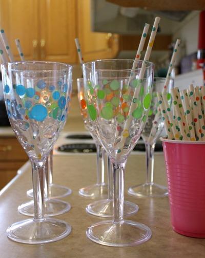 polka dot drinking glasses
