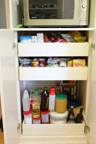 organize kitchen cabinets and drawers come organize with me organizing kitchen cabinets 7216