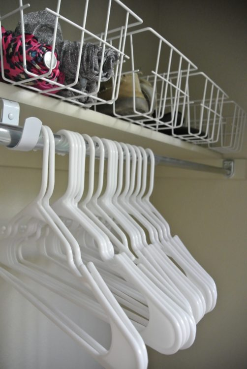 baskets-in-organized-entryway-1