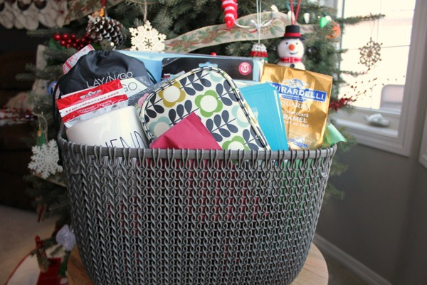 2017 Merry Christmas Basket of Fun Giveaway at Im an Organizing Junkie blog