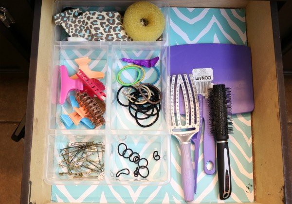 Bathroom Drawer Organizing: Hair Accessories at I'm an Organizing Junkie blog