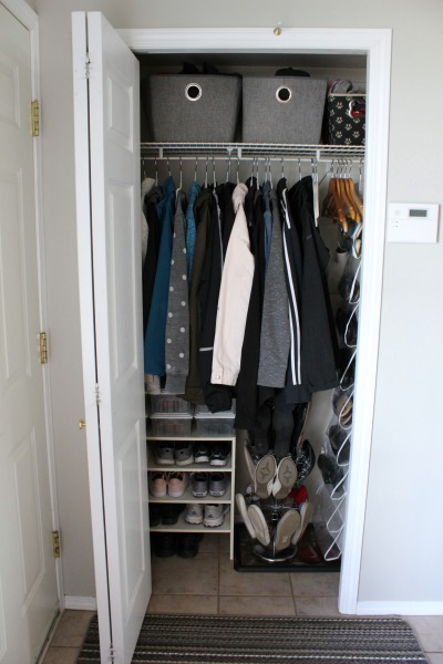 Attirant Small Organized Entryway Closet   Seasonal Refresh At Iu0027m An Organizing  Junkie