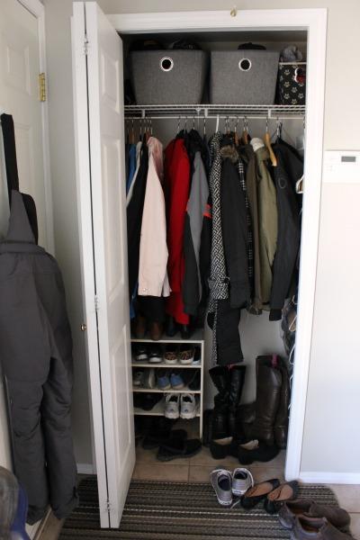 Small Organized Entryway Closet   Seasonal Refresh At Iu0027m An Organizing  Junkie