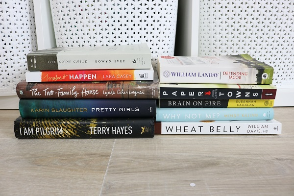 The Hard Task of Decluttering Books at I'm an Organizing Junkie blog