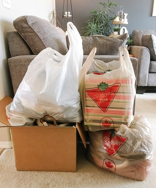Free declutter challenge and workbook at I'm an Organizing Junkie blog