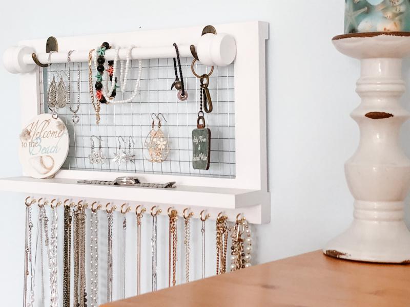 Small Organized Spaces: Jewelry Organizer