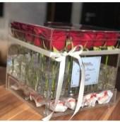 Акрилоый бокс на 49 роз с выдвижным ящиком под конфеты