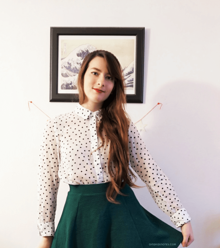 green skirt heart dotted shirt outfit