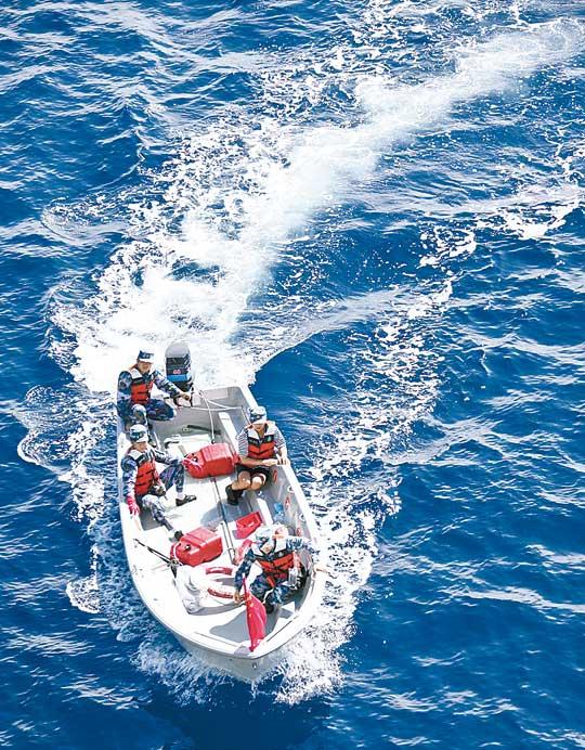 疑MH370漂浮物 法衞星亦發現 - 東方日報