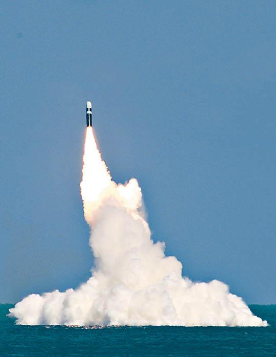 瞄準華核彈發射場 - 東方日報