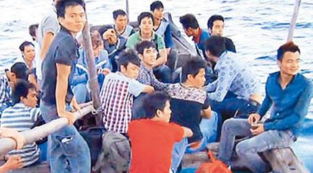 越南數十人偷渡赴臺 遇海難 - 東方日報